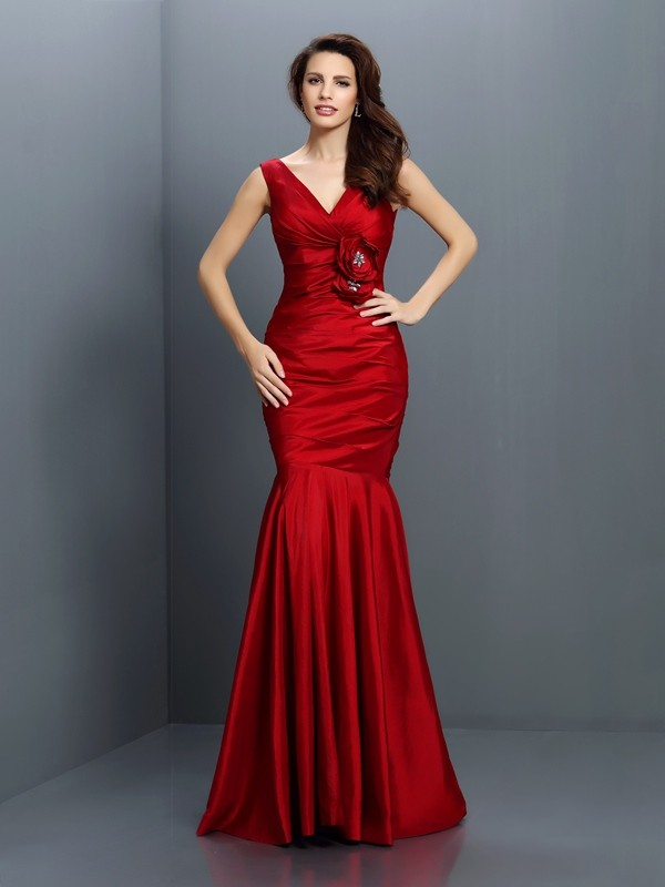 Trumpet/Mermaid V-neck Hand-Made Flower Sleeveless Long Taffeta Bridesmaid Dresses
