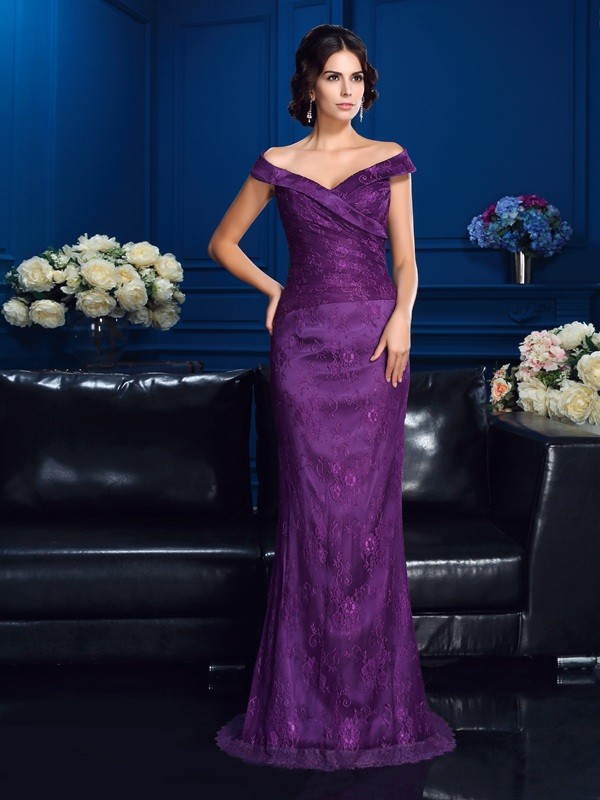 Sheath/Column Off-the-Shoulder Lace Sleeveless Long Lace Mother of the Bride Dresses