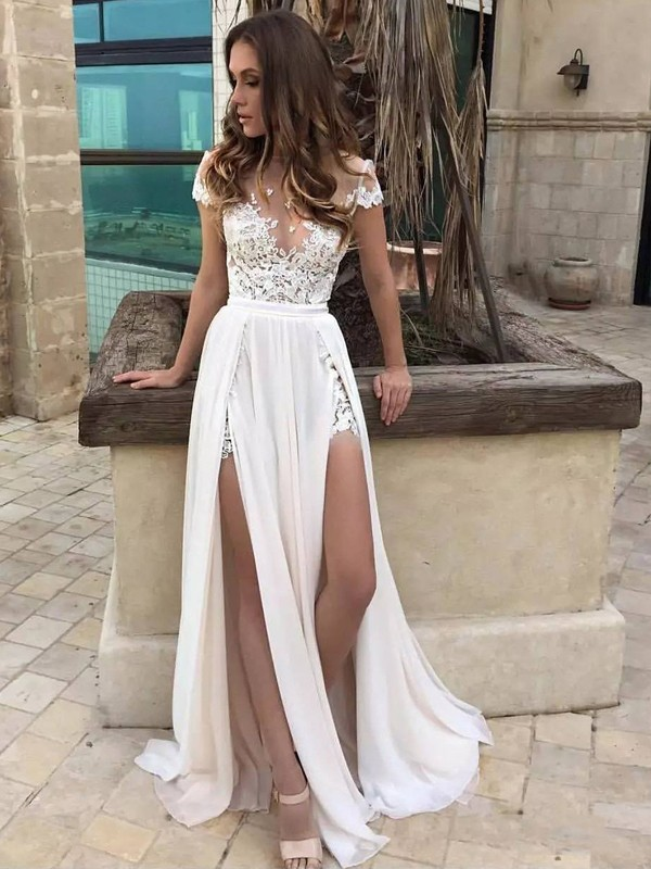 A-Line/Princess V-neck Sweep/Brush Train Sleeveless Lace Chiffon Wedding Dresses