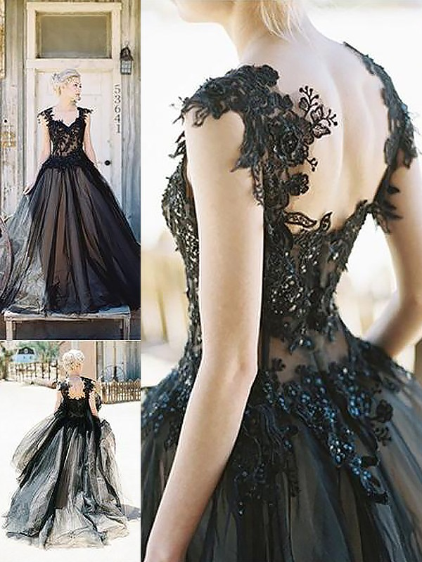 Ball Gown Sleeveless Sweetheart Lace Sweep/Brush Train Tulle Dresses