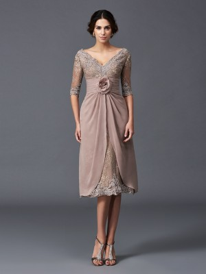 A-Line/Princess V-neck Hand-Made Flower 1/2 Sleeves Short Lace Mother of the Bride Dresses