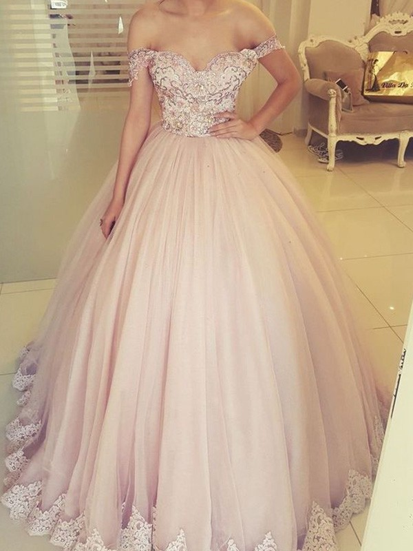 Ball Gown Off-the-Shoulder Floor-Length Tulle Applique Dresses