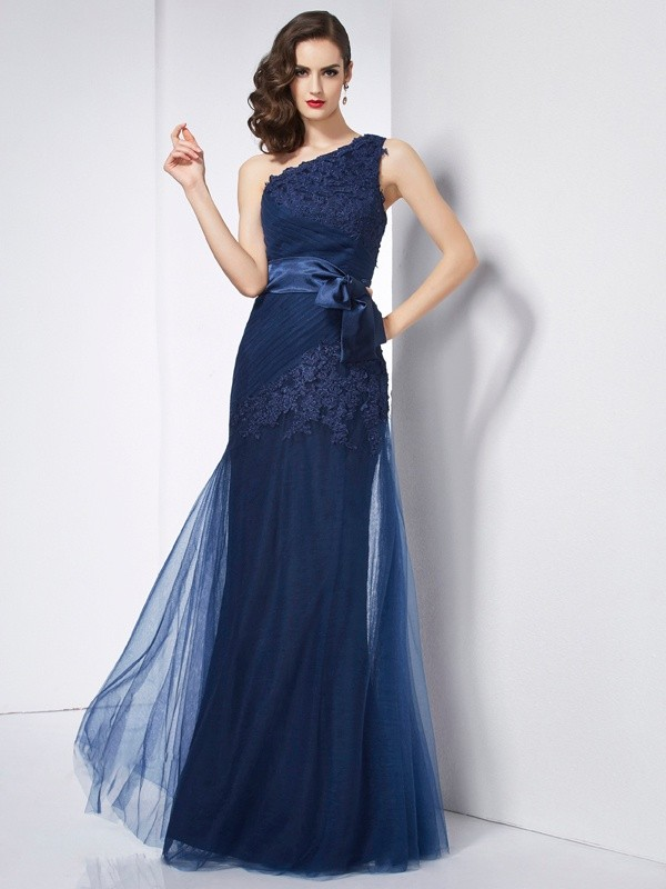 A-Line/Princess One-Shoulder Sleeveless Applique Long Net Dresses