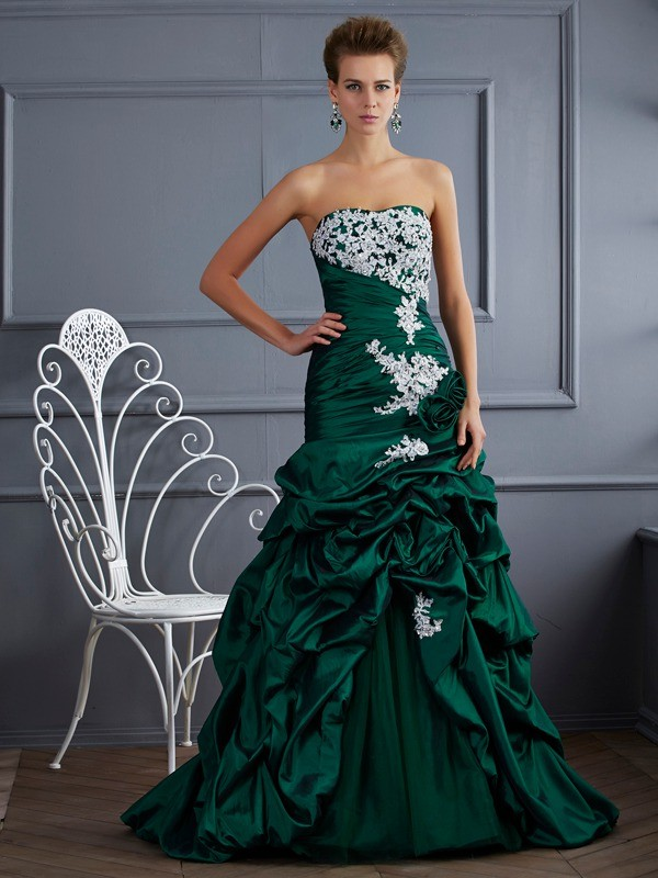 Ball Gown Strapless Sleeveless Applique Long Taffeta Quinceanera Dresses