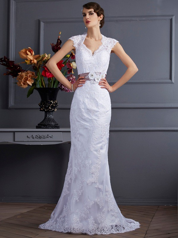 Trumpet/Mermaid Sleeveless Applique Long Satin Wedding Dresses