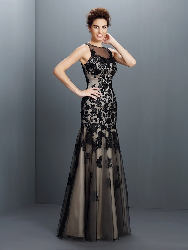 A-Line/Princess Bateau Applique Sleeveless Long Satin Dresses