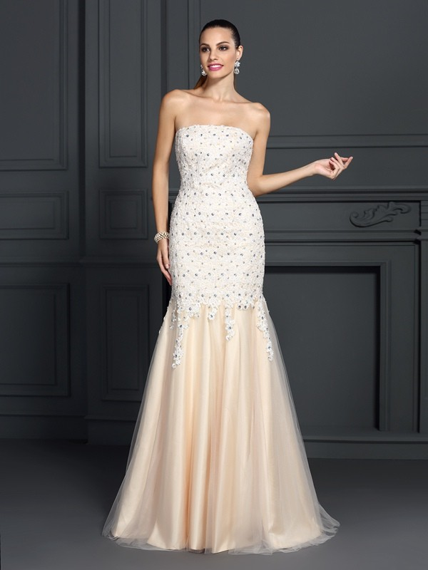 Trumpet/Mermaid Strapless Lace Sleeveless Long Satin Dresses