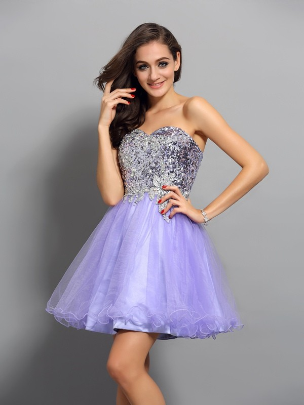 A-Line/Princess Sweetheart Beading Applique Sleeveless Short Net Cocktail Dresses
