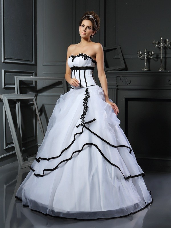 Ball Gown Sweetheart Applique Sleeveless Long Satin Wedding Dresses
