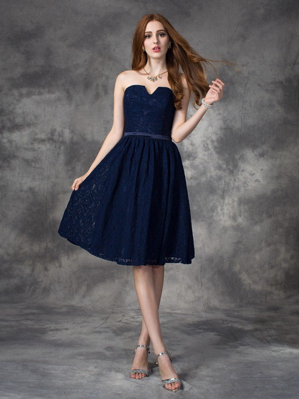 A-line/Princess Sweetheart Lace Sleeveless Short Lace Bridesmaid Dresses