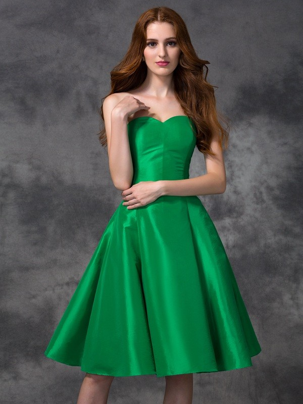 A-line/Princess Sweetheart Sleeveless Short Taffeta Bridesmaid Dresses