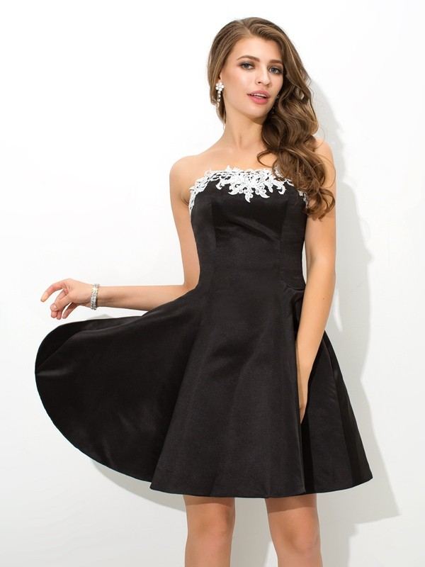 A-Line/Princess Strapless Applique Sleeveless Short Satin Cocktail Dresses