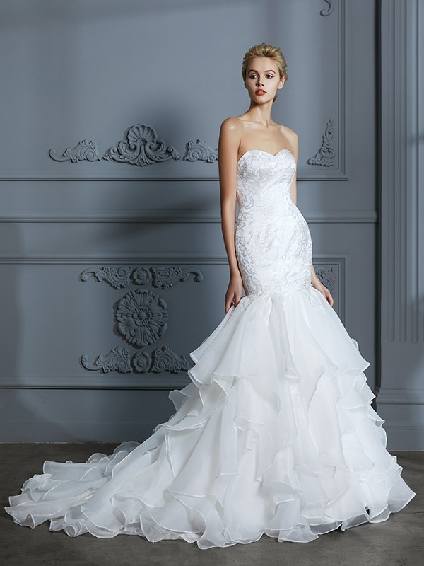 Trumpet/Mermaid Sweetheart Sleeveless Ruffles Sweep/Brush Train Organza Wedding Dresses