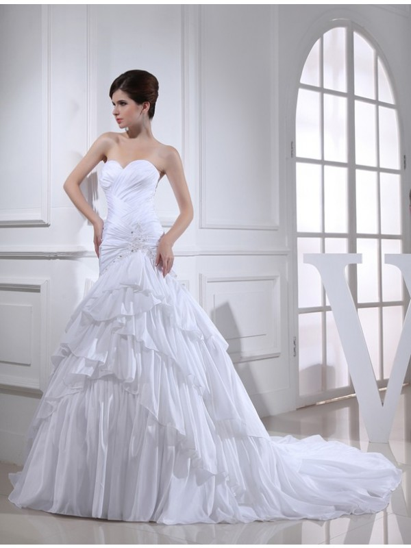 Trumpet/Mermaid Beading Applique Sweetheart Sleeveless Long Taffeta Wedding Dresses