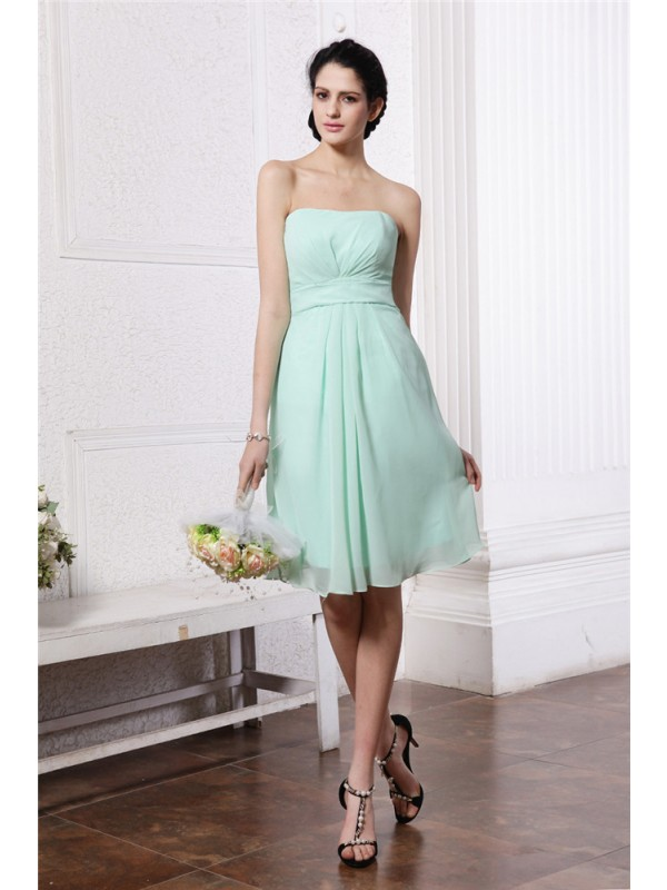 Sheath/Column Strapless Sleeveless Pleats Short Chiffon Bridesmaid Dresses