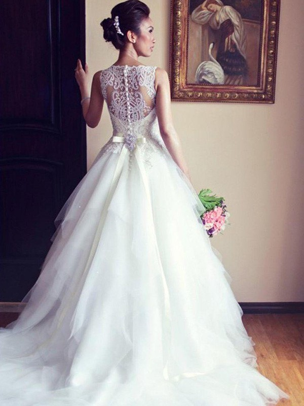 A-Line Sleeveless Scoop Chapel Train Lace Tulle Wedding Dress