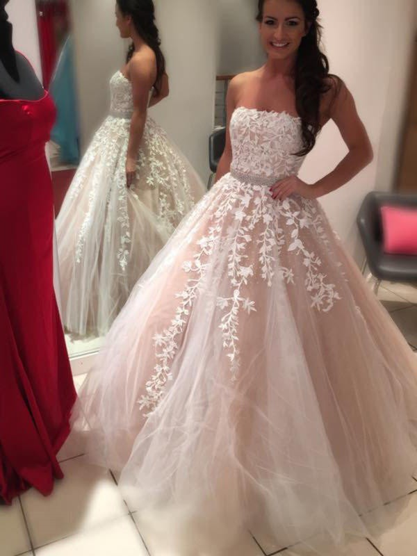 Ball Gown Strapless Sleeveless Court Train Tulle Wedding Dress