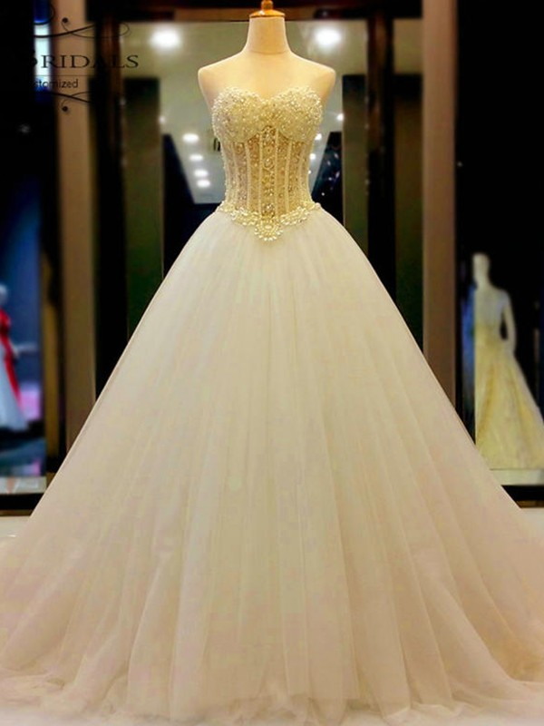 Ball Gown Sweetheart Tulle Court Train Sleeveless Wedding Dress