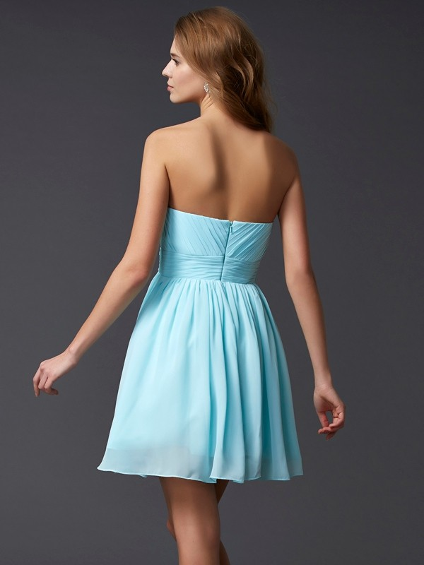 A-Line/Princess Sleeveless Sweetheart Beading Short Chiffon Dresses