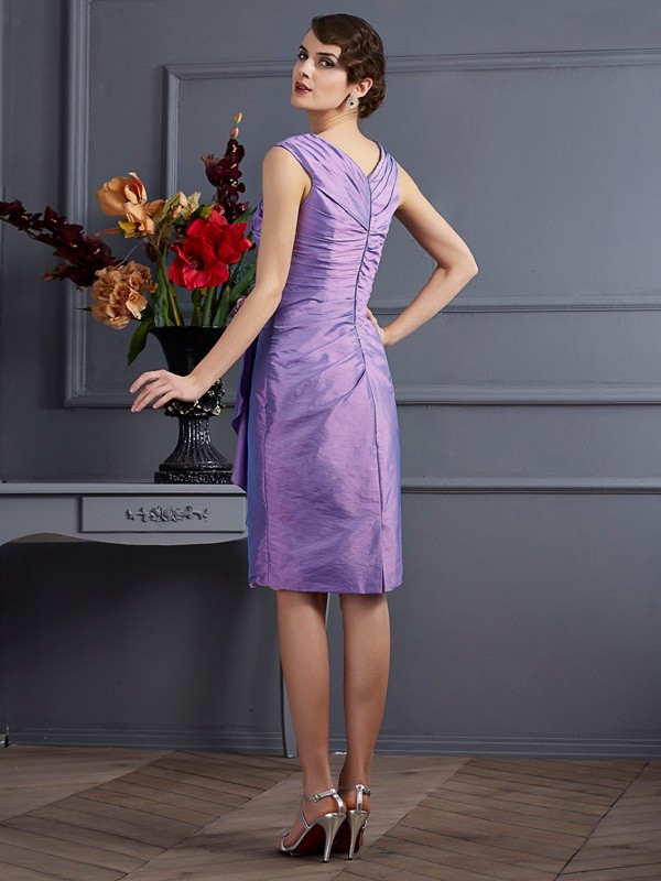 Sheath/Column Sleeveless Applique Short Taffeta Bridesmaid Dresses