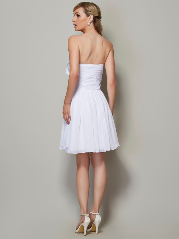 A-Line/Princess Strapless Sleeveless Pleats Applique Short Chiffon Bridesmaid Dresses