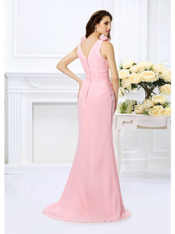 Trumpet/Mermaid V-neck Hand-Made Flower Sleeveless Long Chiffon Bridesmaid Dresses