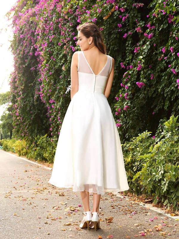 A-Line/Princess Bateau Sash/Ribbon/Belt Sleeveless Long Satin Wedding Dresses