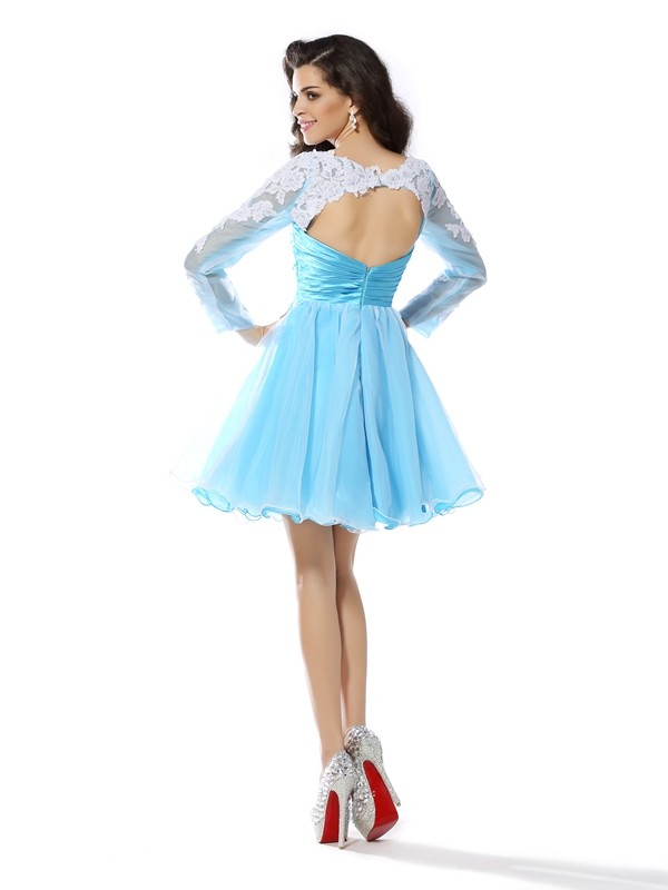 A-Line/Princess Scoop Applique Long Sleeves Short Elastic Woven Satin Cocktail Dresses