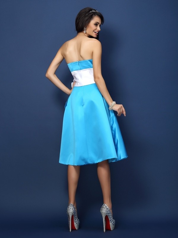 Sheath/Column Strapless Bowknot Sleeveless Short Satin Bridesmaid Dresses