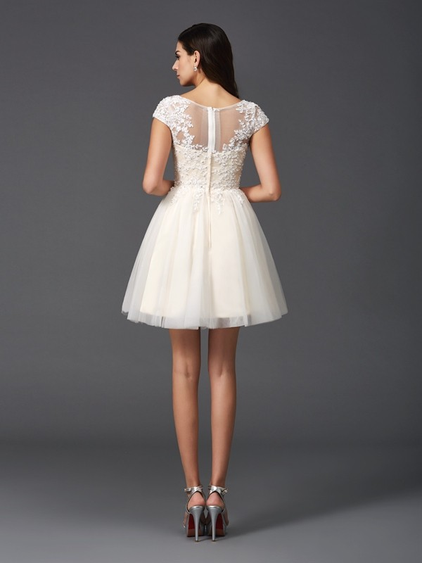 A-Line/Princess Scoop Applique Short Sleeves Short Net Dresses