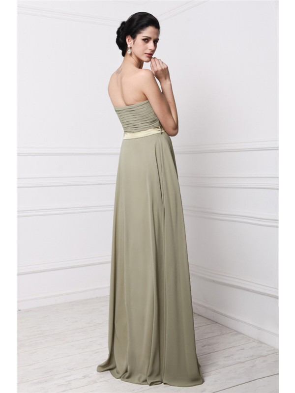 Sheath/Column Strapless Sleeveless Hand-Made Flower Pleats Long Chiffon Bridesmaid Dresses