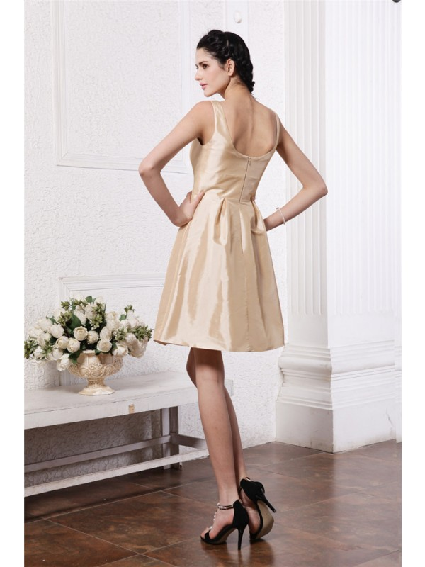 A-Line/Princess Scoop Sleeveless Pleats Short Taffeta Bridesmaid Dresses