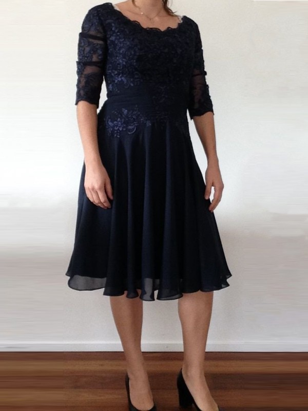 A-Line Scoop 1/2 Sleeves Applique Knee-Length Chiffon Mother Of The Bride Dresses