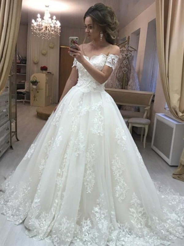 A-Line Off-the-Shoulder Sleeveless Sweep/Brush Train Applique Tulle Wedding Dresses