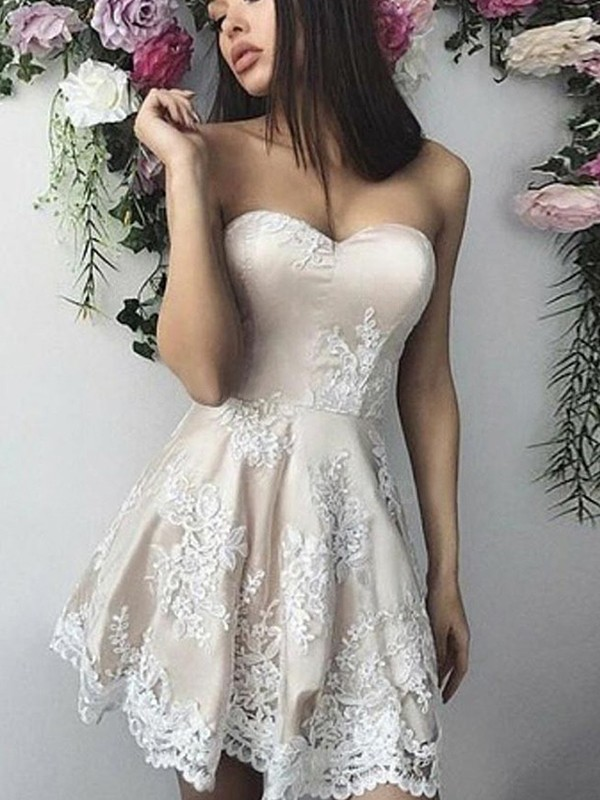 A-Line/Princess Lace Applique Sweetheart Short/Mini Dresses