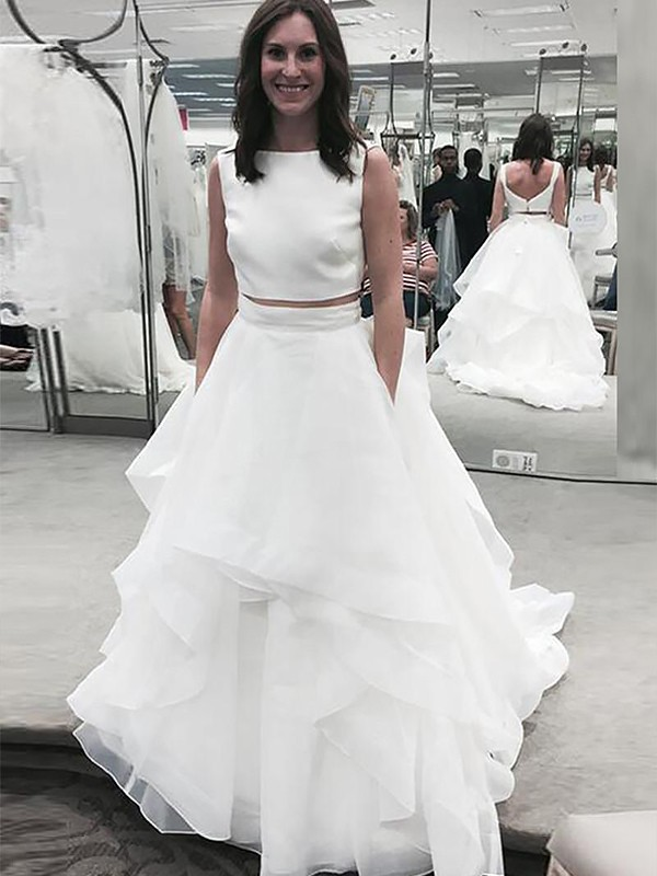 A-Line Bateau Sleeveless Chiffon Court Train Wedding Dresses