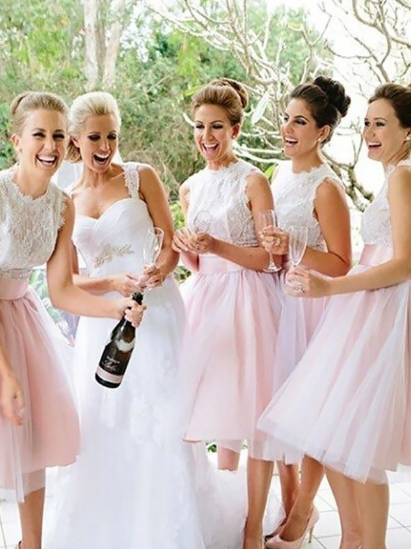 A-Line Sleeveless Scoop Tulle Knee-Length Bridesmaid Dresses