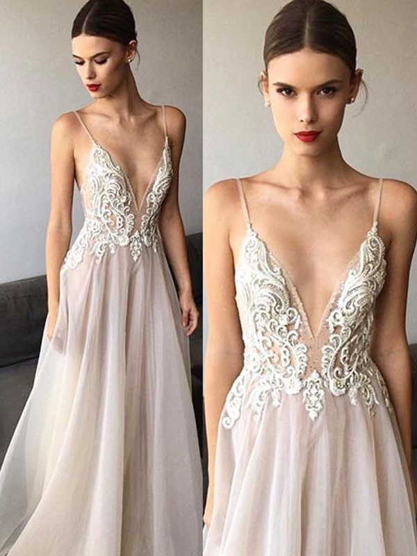 A-Line Sleeveless V-neck Sweep/Brush Train Spaghetti Straps Lace Tulle Wedding Dress