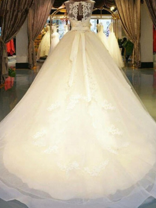Ball Gown Sleeveless Off-the-Shoulder Sweep/Brush Train Lace Wedding Dress