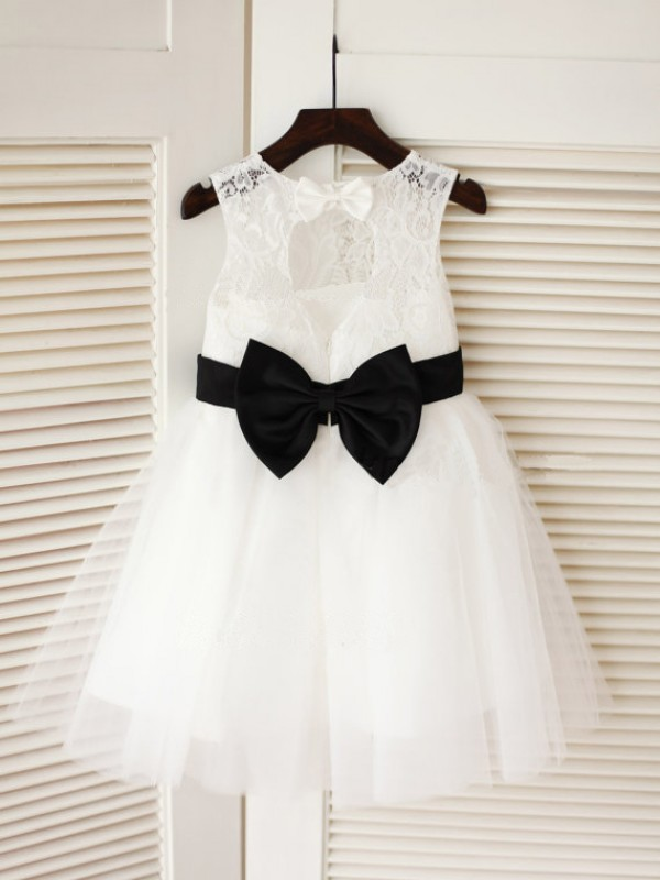 A-line Scoop Knee-Length Tulle Flower Girl Dress